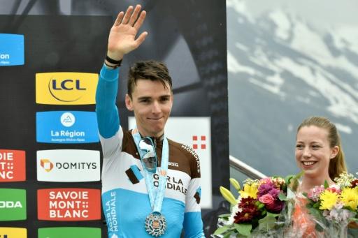 Tour de France: Bardet à l'heure, Barguil et Nibali en retard