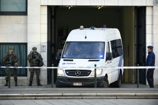 Attentats du 13 novembre: un suspect clé remis temporairement à la France par la Belgique