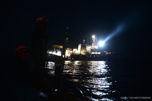 L'Espagne d'accord pour accueillir le navire avec 629 migrants en Méditerranée
