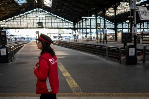 Grève à la SNCF: trois TGV et Transilien sur cinq, un TER sur deux mardi