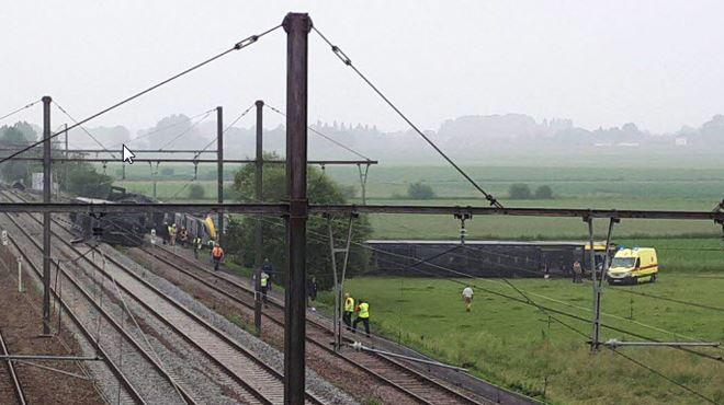 Déraillement à Neufvilles: la circulation de la ligne Bruxelles-Mons reprend mardi matin