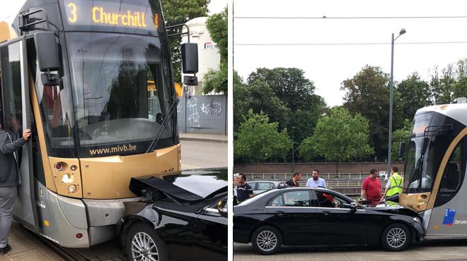 Bruxelles: collision frontale entre un tram et une voiture lundi soir (photo)