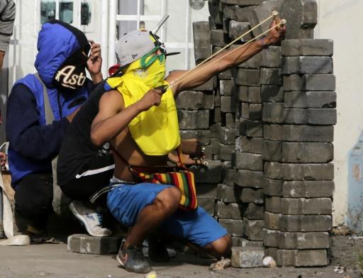 Flambée de violence au Nicaragua où la police démantèle des barricades