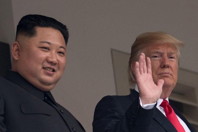 trump-kim-jun-un-mains-balcon