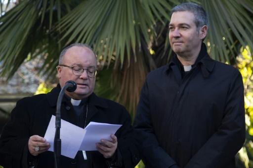 Deux envoyés du pape au Chili pour