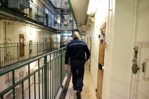 A Fresnes, premiers pas en prison des nouveaux surveillants