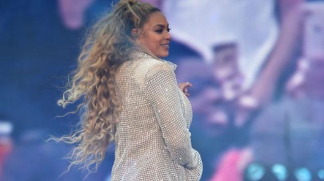 Beyoncé à nouveau enceinte? Les fans ne voient que des preuves et en sont CERTAINS! (vidéo)