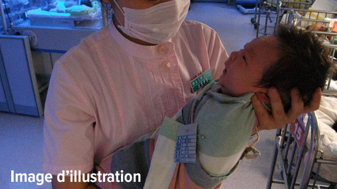 Claudia témoigne après avoir subi des violences obstétricales lors de son accouchement: