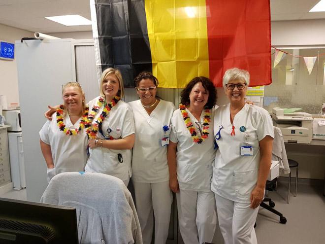 Supporters des Diables Rouges: les filles de l'orthopédie à l'hôpital civil Marie-Curie de Charleroi
