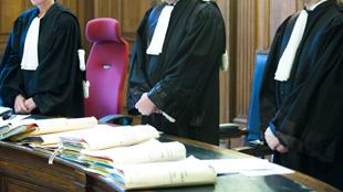 Une avocate inculpée d'abus de confiance et de faux et usage de faux sur des personnes en difficulté financière qu'elle devait aider