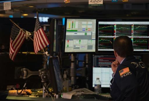 A Wall Street, le Dow Jones lesté par GE, le Nasdaq à un record