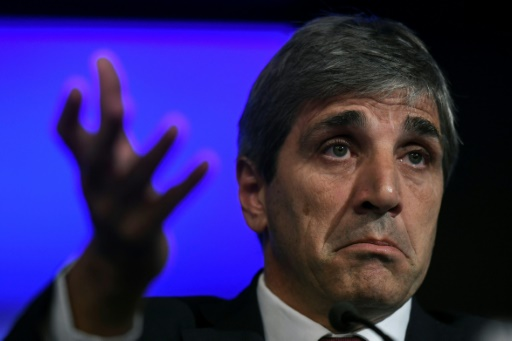 Argentine: le peso dévisse, le gouverneur de la banque centrale poussé vers la sortie