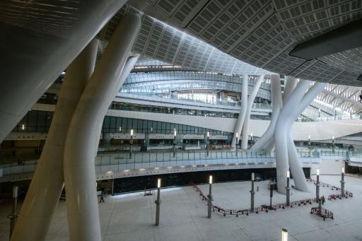 Hong Kong: le Parlement adopte une loi controversée sur une nouvelle gare