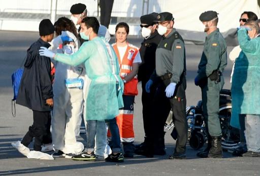 L'Aquarius: l'odyssée de 629 migrants face au bras de fer européen