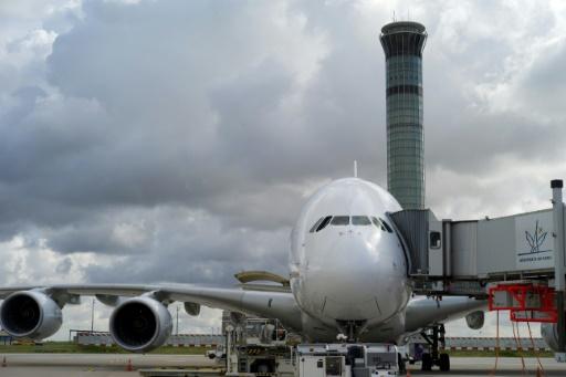 Contrôle aérien: La France championne des grèves, un matériel vétuste, selon un rapport