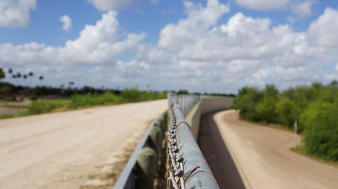 Etats-Unis: cinq migrants meurent en tentant d'échapper à la police aux frontières