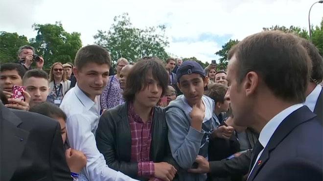 Macron recadre sèchement un jeune qui l'avait appelé