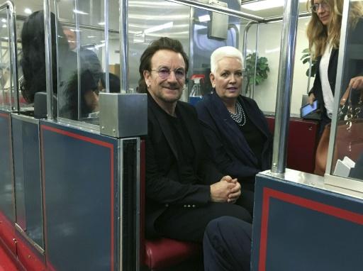 USA: Bono demande aux élus de mettre fin à la séparation des familles de migrants