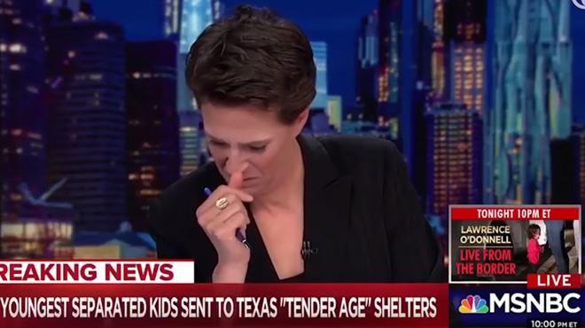 Des enfants séparés de leurs parents aux USA: en direct à la télévision, une journaliste fond en larmes (vidéo)