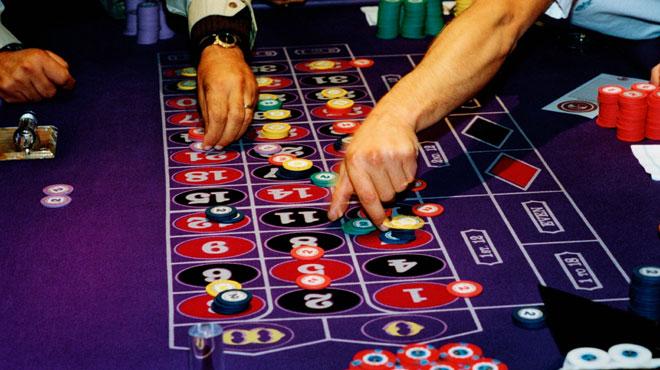 Sexe, casino, voitures de luxe... la face sombre du traitement de Parkinson: