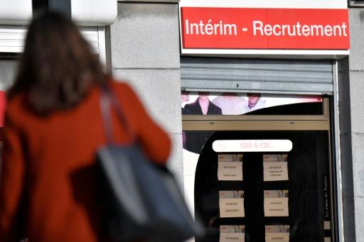 De plus en plus d'embauches en CDD, des contrats de plus en plus courts