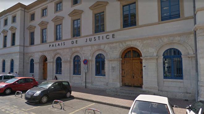 Nourrie aux laits végétaux, leur fille avait été hospitalisée pour malnutrition avant de décéder: les parents mis en examen en France