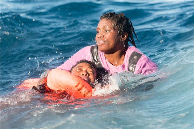 Des migrants en pleine mer, 2018