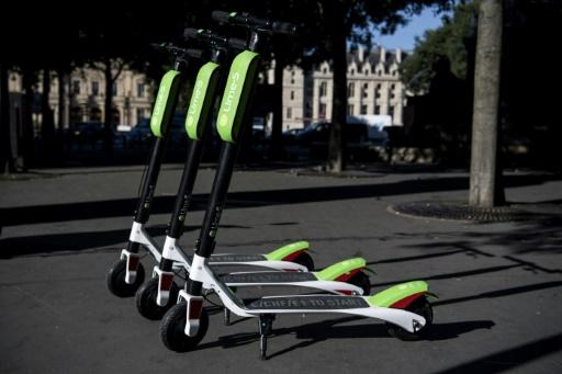 Des trottinettes électriques en libre-service à Paris :