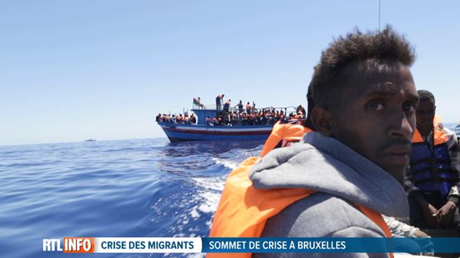 Il n'y a jamais eu aussi PEU d'arrivées de migrants par la mer: alors pourquoi l'Europe ne cesse de durcir son discours?