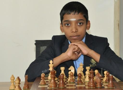 À douze ans, un jeune Indien devient grand maître des échecs