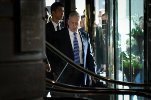 USA: le ministre de la Défense réduit à appliquer des décisions qu'il désapprouve