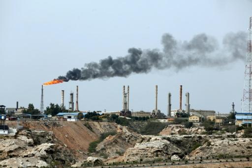 Le pétrole bondit après les menaces de Washington sur le brut iranien