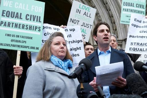 Royaume-Uni: les couples hétérosexuels obtiennent le droit de se pacser