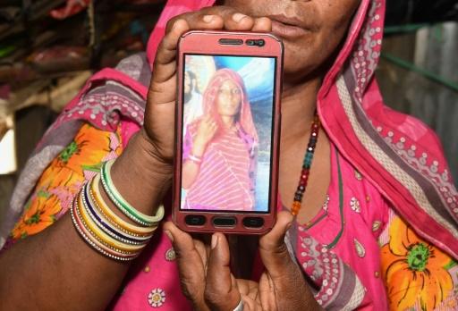 Des rumeurs sur WhatsApp sur des rapts d'enfants déclenchent une vague d'agressions en Inde