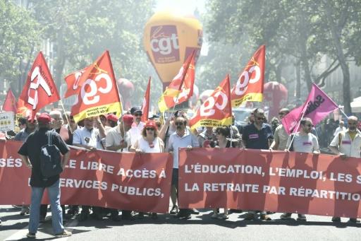 SNCF, services publics: plusieurs centaines de manifestants à Paris