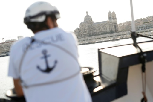 L'Aquarius accoste à Marseille pour une escale technique