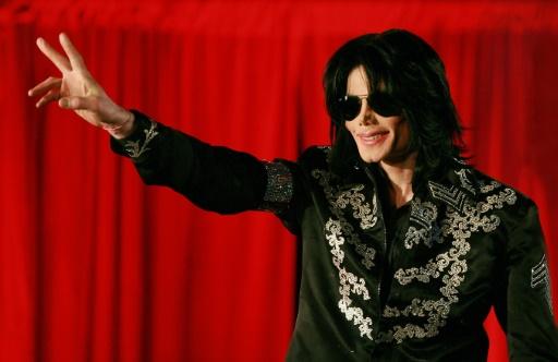 Michael Jackson fait une réapparition posthume sur l'album du Canadien Drake