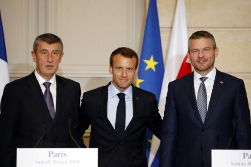 Migrations: Macron défend le