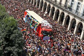 La Marche des fiertés à Paris- s'amuser et continuer le combat