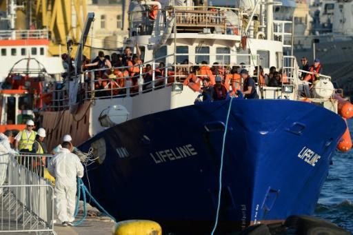 Une ONG espagnole sauve 59 migrants, l'Italie leur refuse l'accès