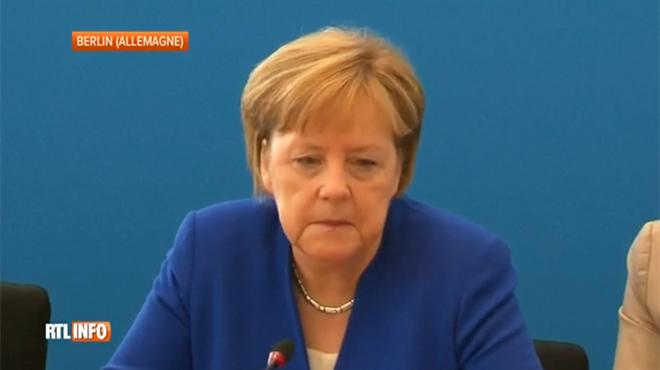 Le gouvernement Merkel menacé par la crise des migrants: l'ultimatum d'un ministre passe mal auprès des Allemands