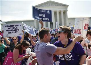 L'avortement au coeur de la lutte pour l'avenir de la Cour suprême américaine