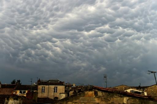 Fin de la vigilance orange pour les orages dans l'Ouest et la canicule dans le Rhône