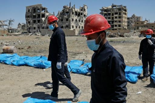 Syrie: HRW lance un appel à l'aide pour exhumer les charniers à Raqa, ex-fief de l'EI