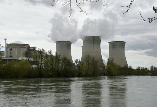 Un drone piloté par Greenpeace a survolé une centrale nucléaire proche de Lyon