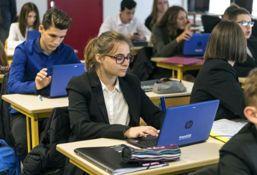 Les lycées du Grand Est poursuivent leur conversion hâtive au tout-numérique