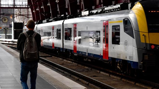 Au moins 800 voyageurs évacués d'un train à Louvain:
