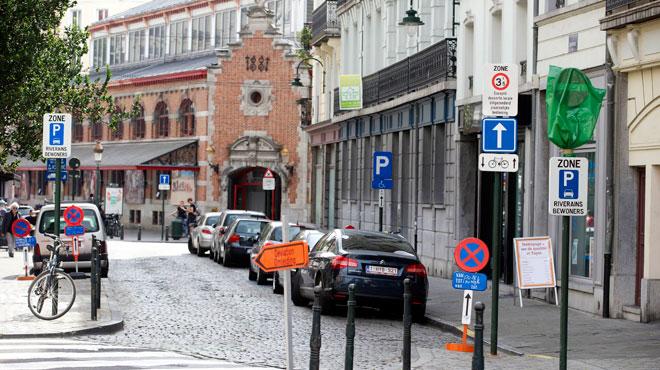 Manque d'espace de parking à Bruxelles: une application s'attaque au problème