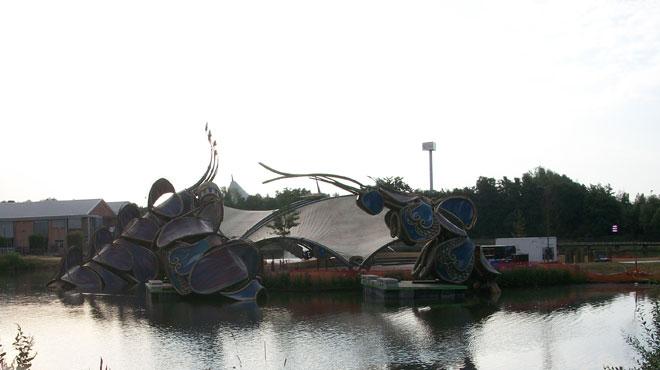 Tomorrowland: le décor spectaculaire du festival est en cours d'installation (photos)