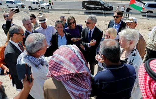 Soutien de diplomates à un village palestinien qu'Israël veut détruire